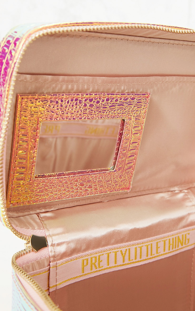 PRETTYLITTLETHING Holographic Vanity Case 4