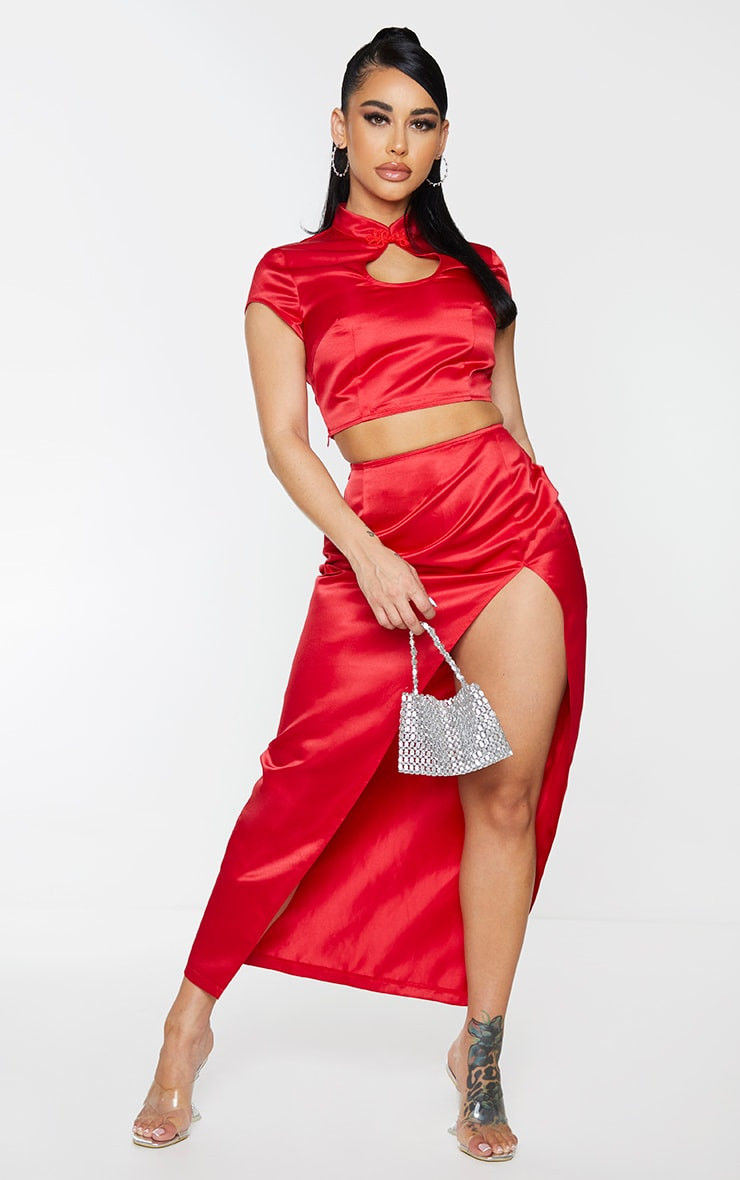 Shape Red Structured Satin Key Hole Crop Top 3