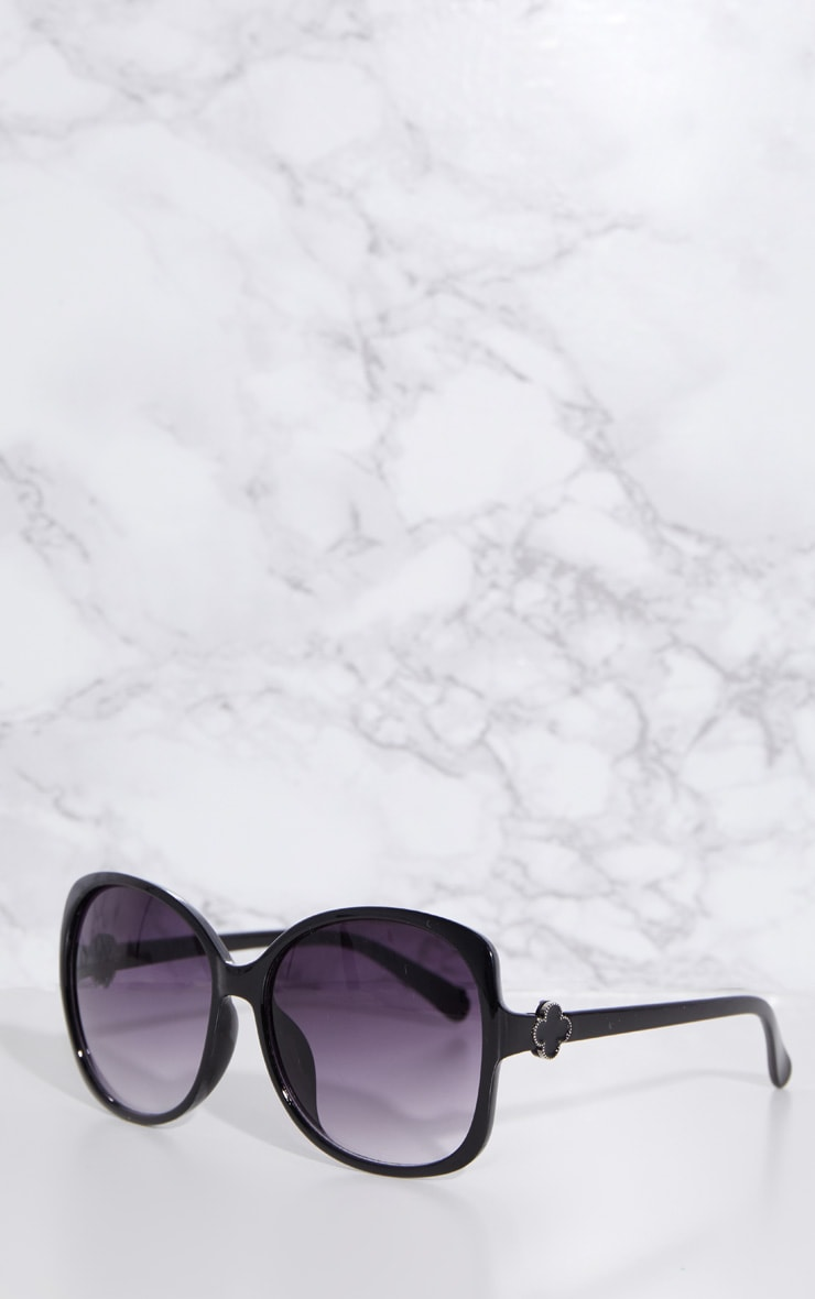 Black Oversized Frame Sunglasses 2