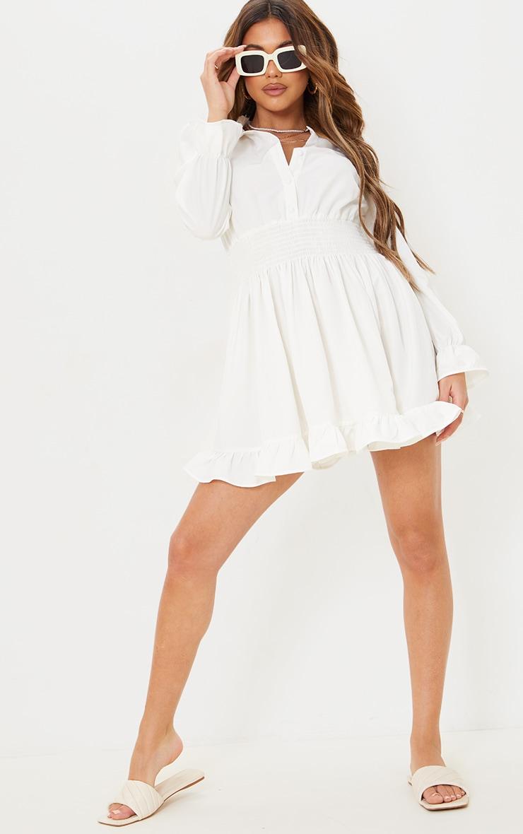 Robe chemise blanche resserrée à la taille 3