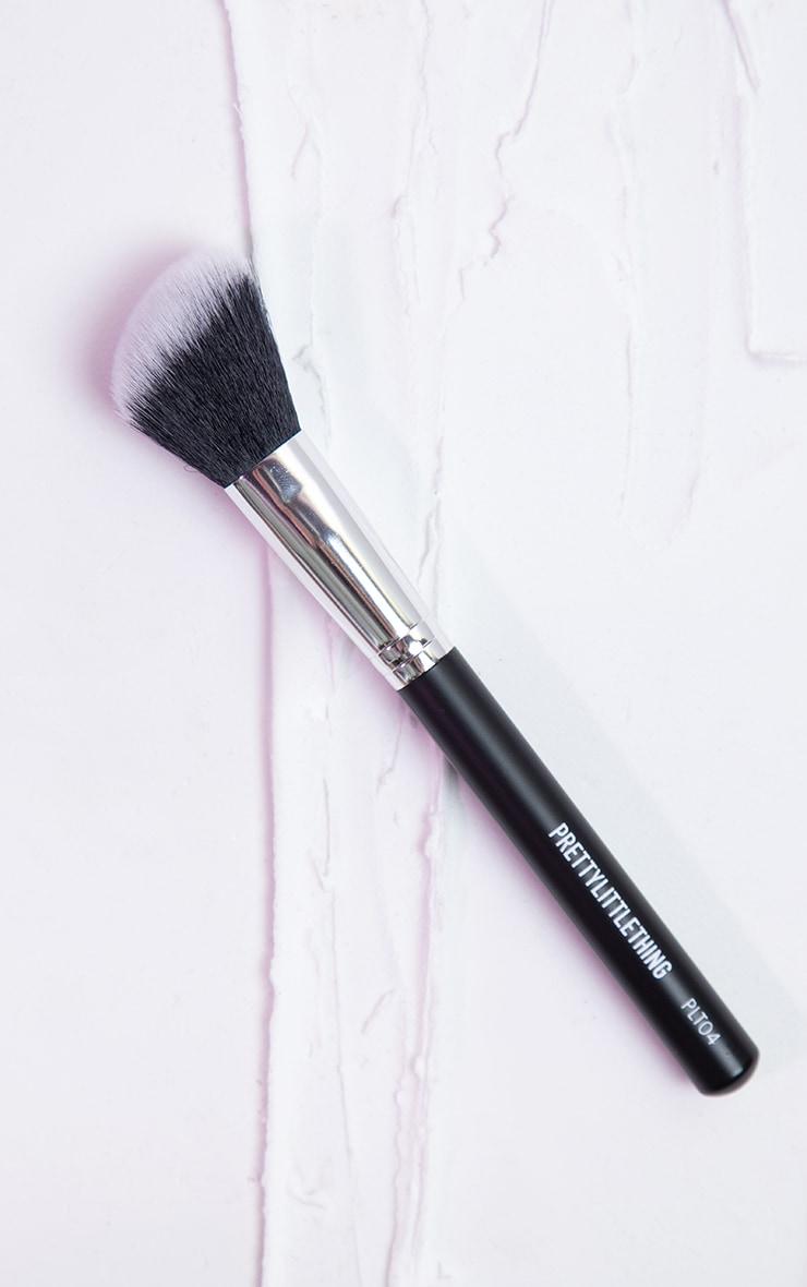 PRETTYLITTLETHING Angled Cheek Brush PLT04 1
