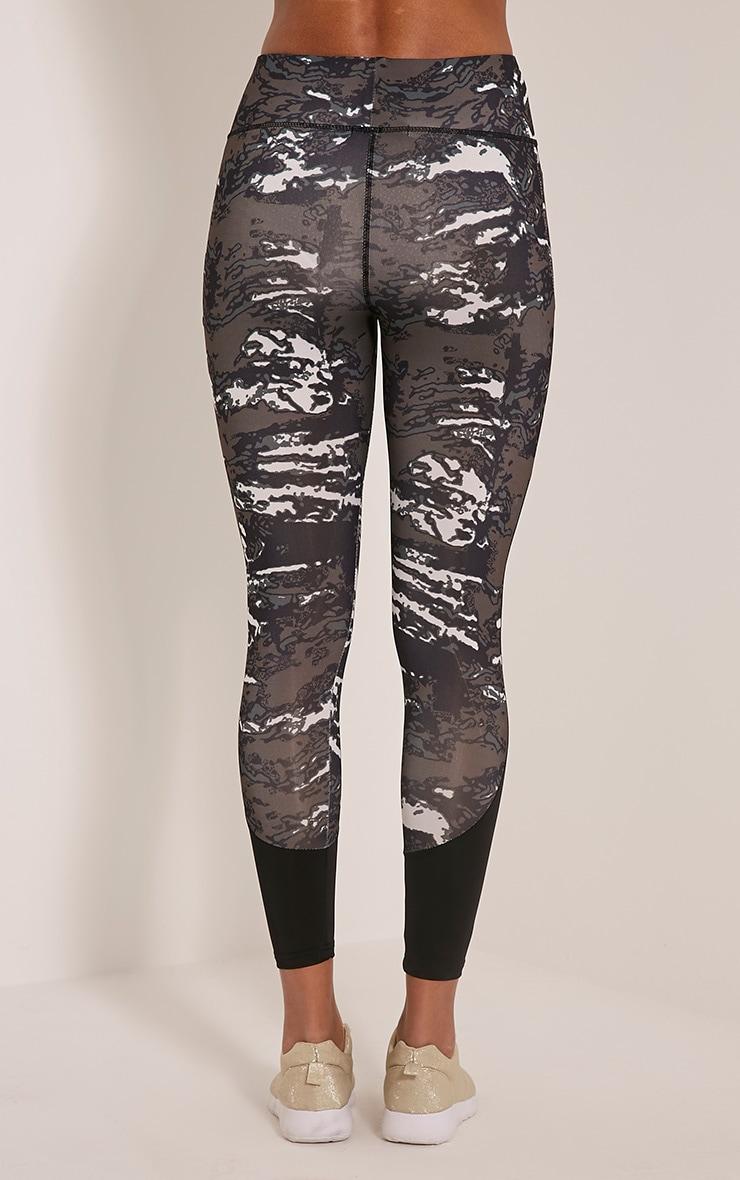 Celine legging de sport à imprimé camouflage kaki 5