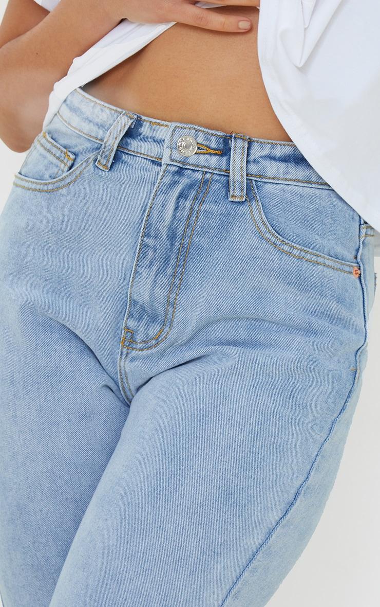 PRETTYLITTLETHING Petite Light Blue Wash Raw Hem Cropped Slim Mom Jeans 4
