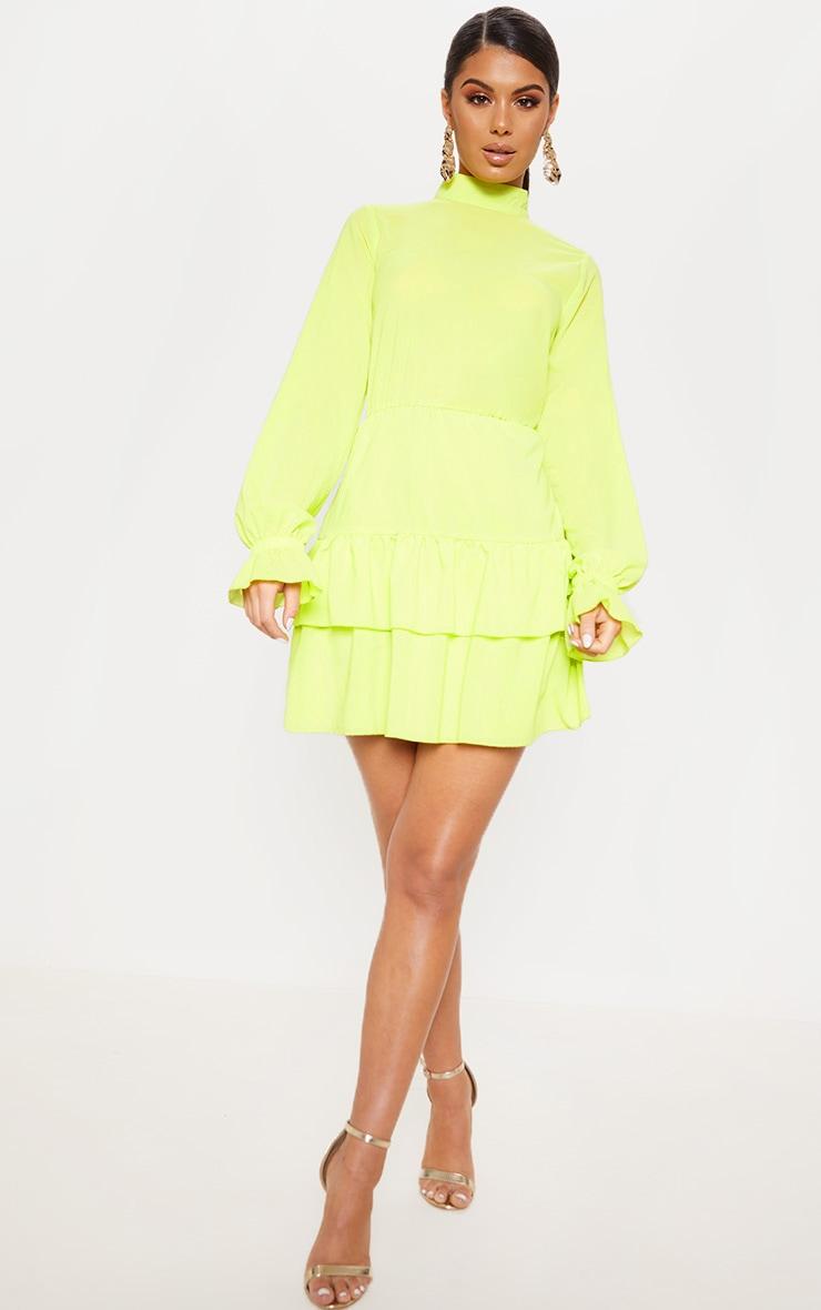 Robe droite plissée vert citron à col montant 4