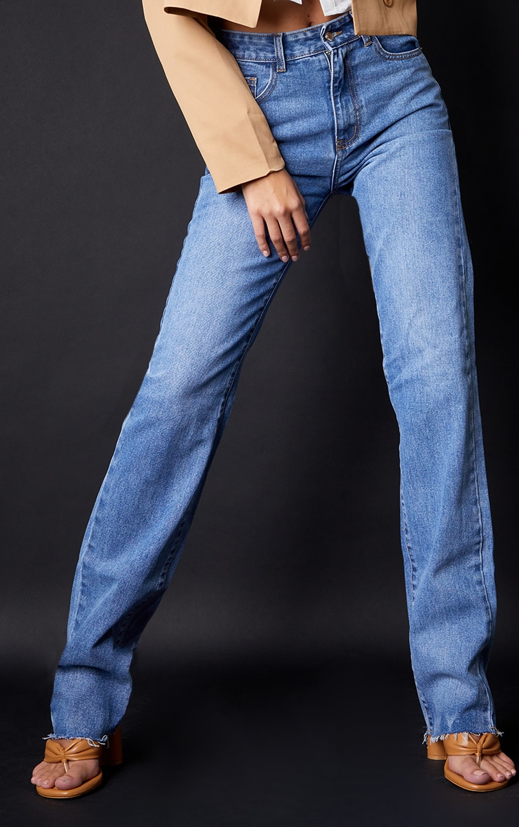 PRETTYLITTLETHING Tall Mid Blue Wash Long Leg Straight Jeans 2