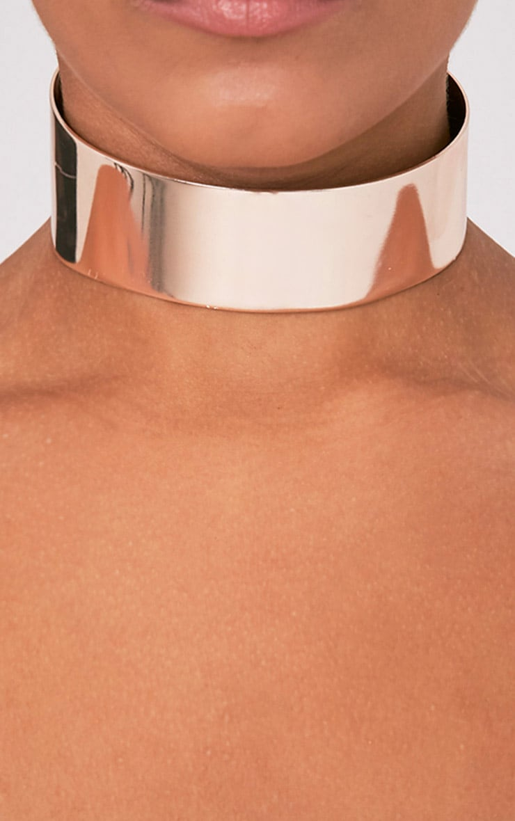 Chrisi Rose Gold Metal Choker 1