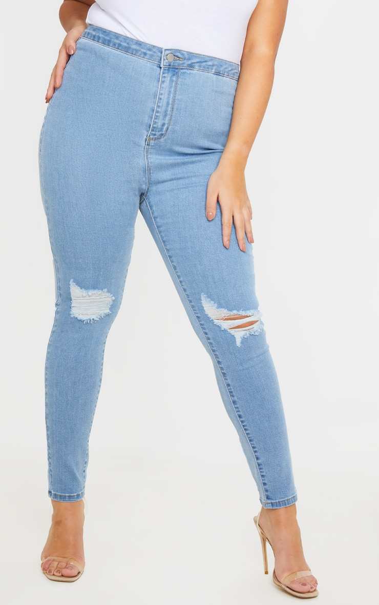 PRETTYLITTLETHING Plus Light Wash Knee Rip Disco Skinny Jean 2