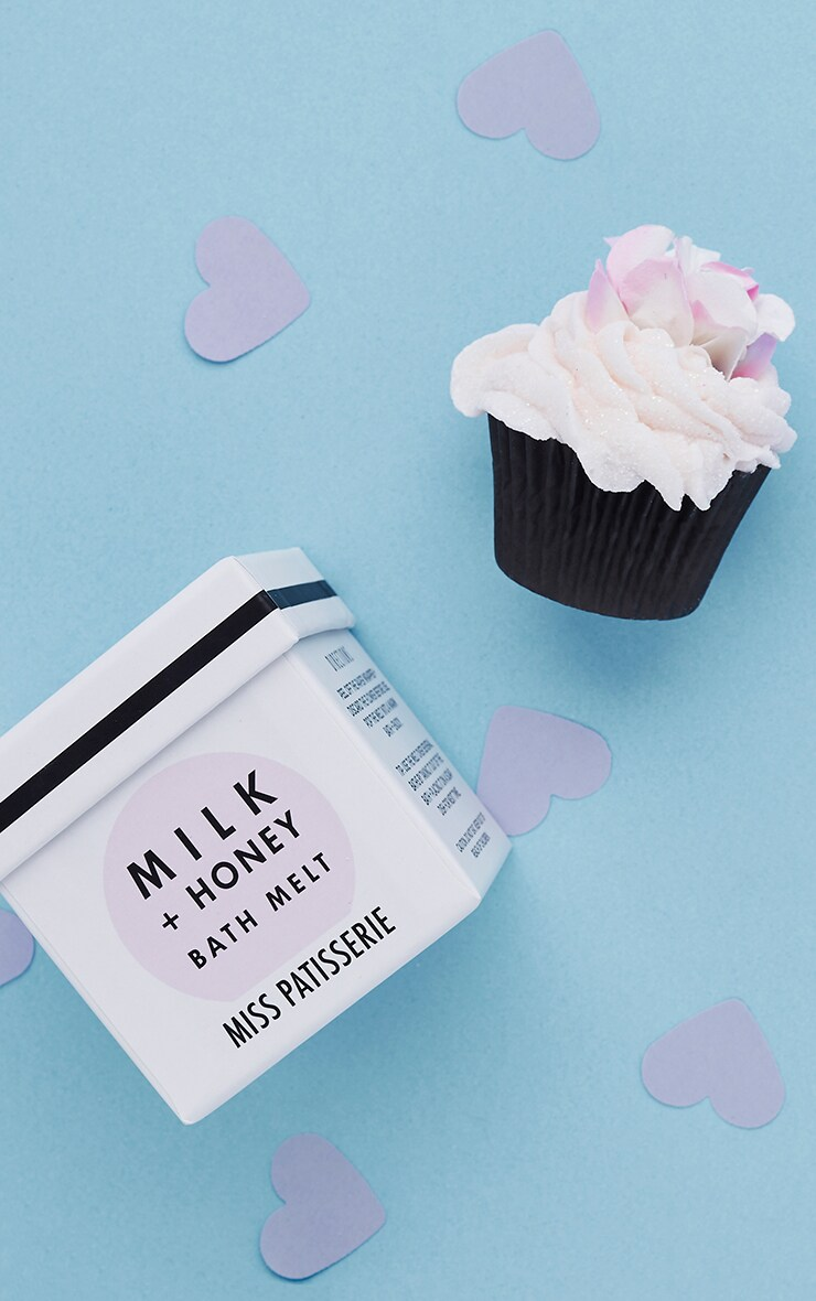 Miss Patisserie Milk & Honey Cupcake Bath Melt image 1
