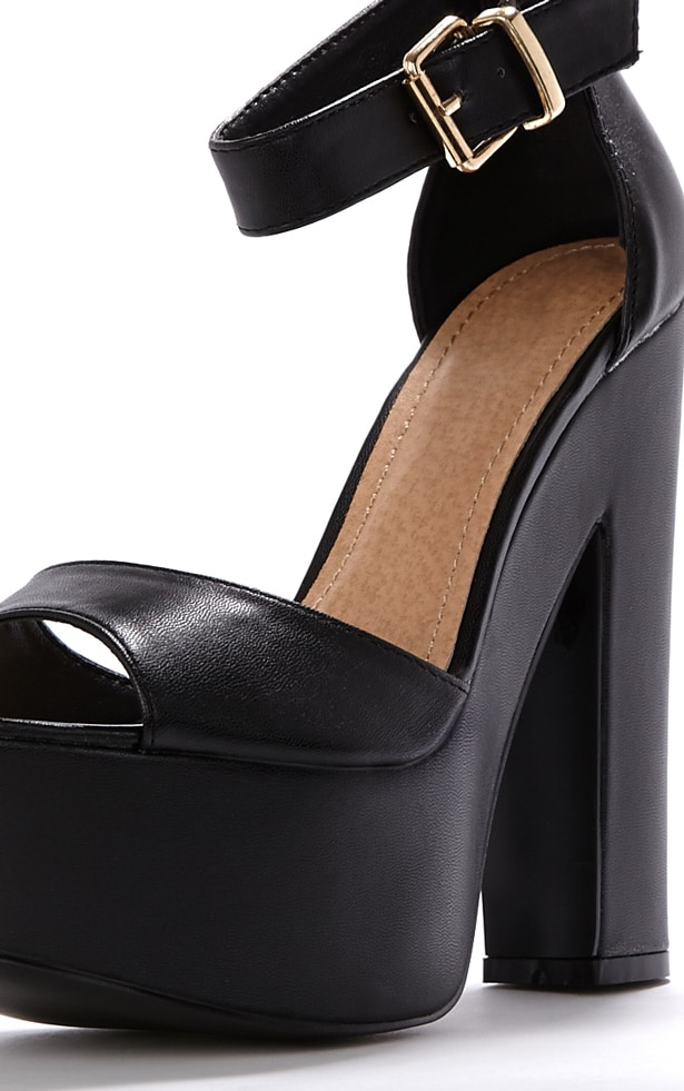 Madison Black Platform Sandal 3