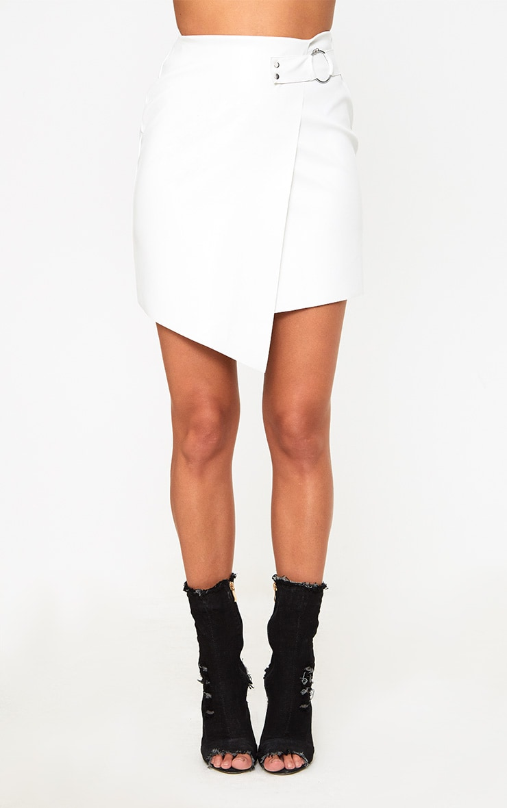 White Faux Leather Ring Belt Mini Skirt 2