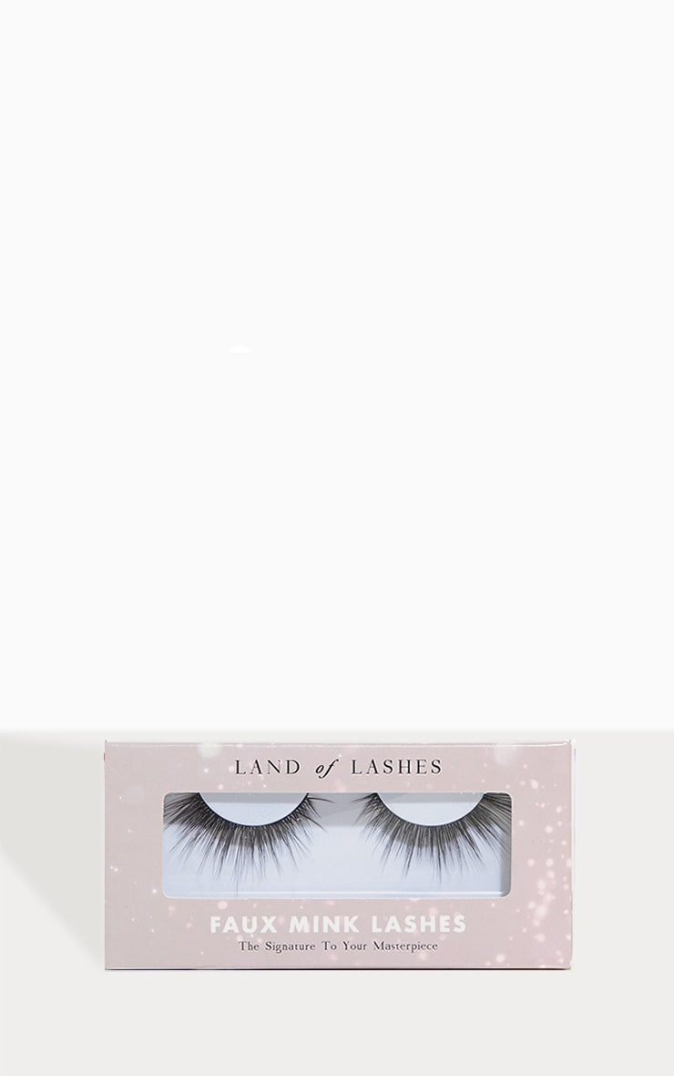 Land of Lashes Enchant Lash