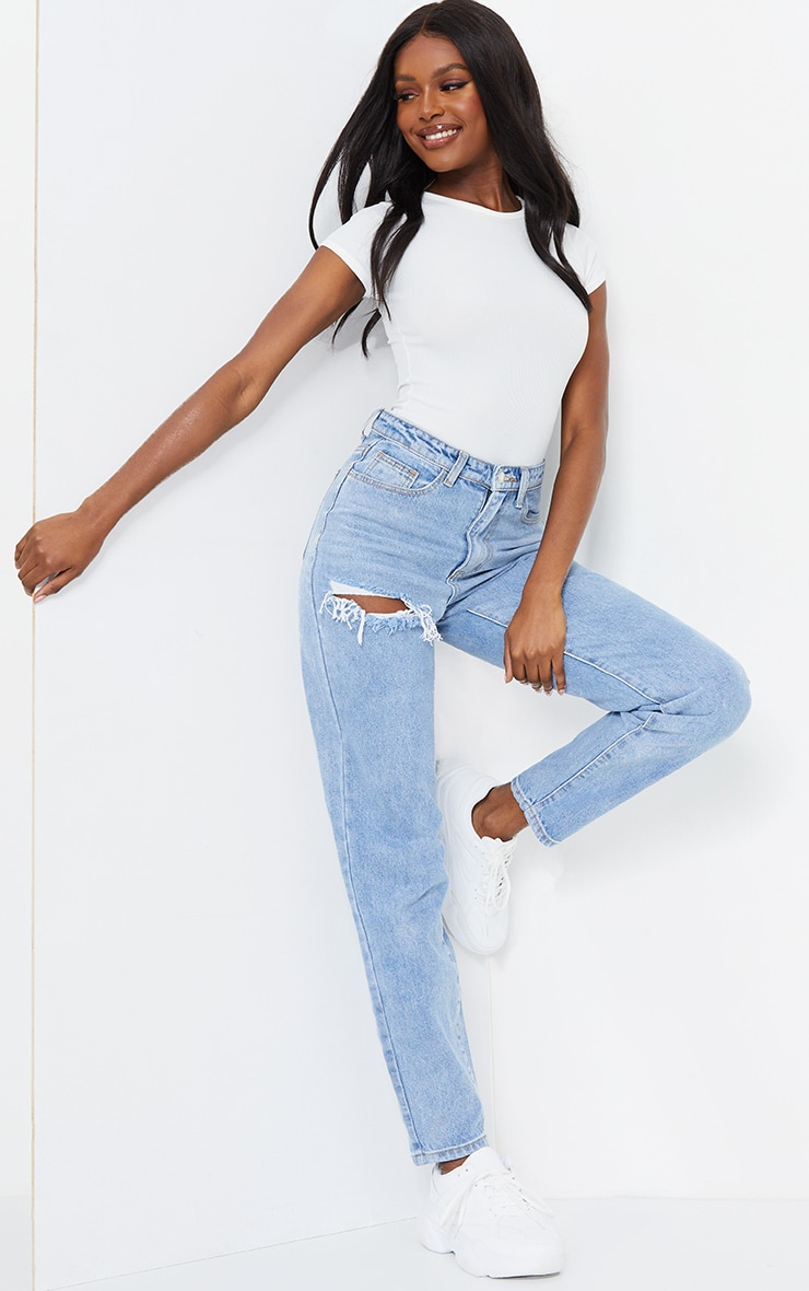 PRETTYLITTLETHING Tall Light Blue Wash Thigh Ripped Mom Jeans 1