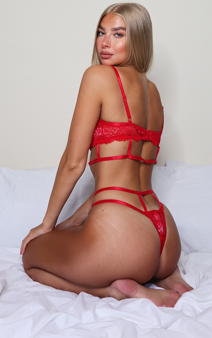 Red Cut Out Detail Strapping Underwired Lingerie Set 2