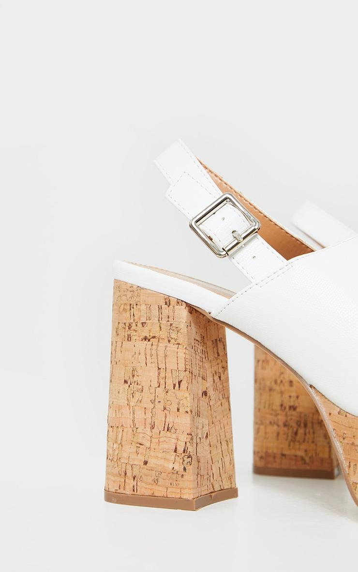 Sandales blanches à plateforme en liège et bride talon 4