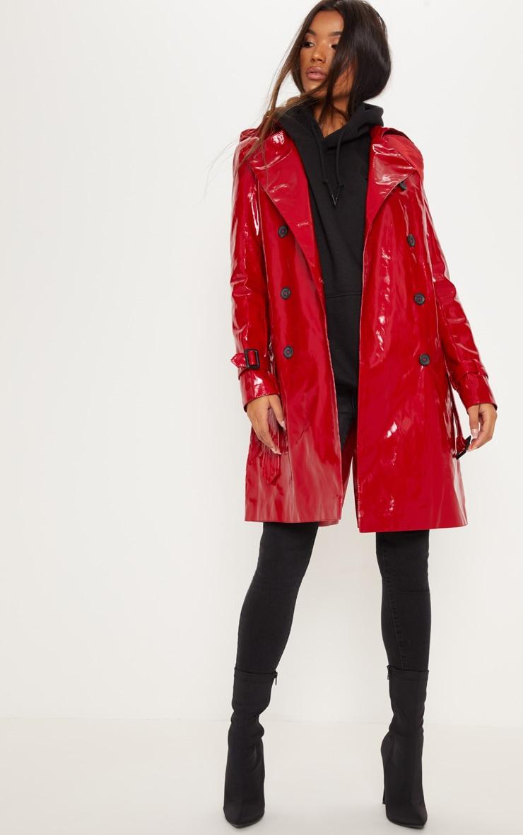 Trench coat en vinyle rouge
