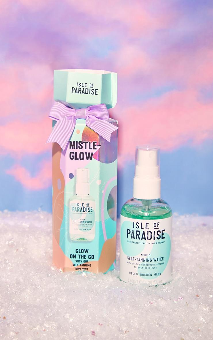 Isle of Paradise Mistle Glow Christmas Cracker Self-Tanning Water Medium 1