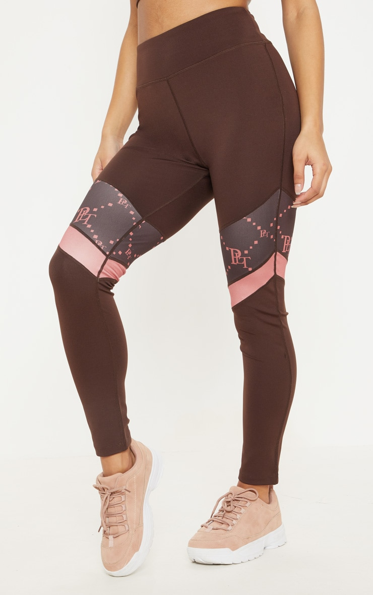 PRETTYLITTLETHING Chocolate Monogram Panelled Gym Legging 2