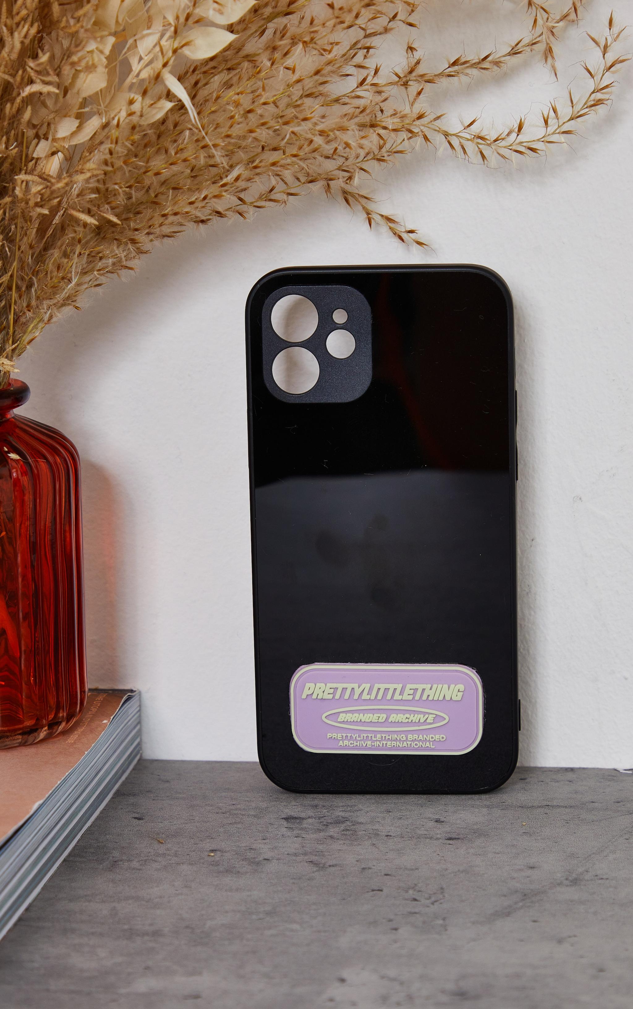 PRETTYLITTLETHING - Coque noire à imprimé Branded Archive pour iPhone 12/12 Pro 2