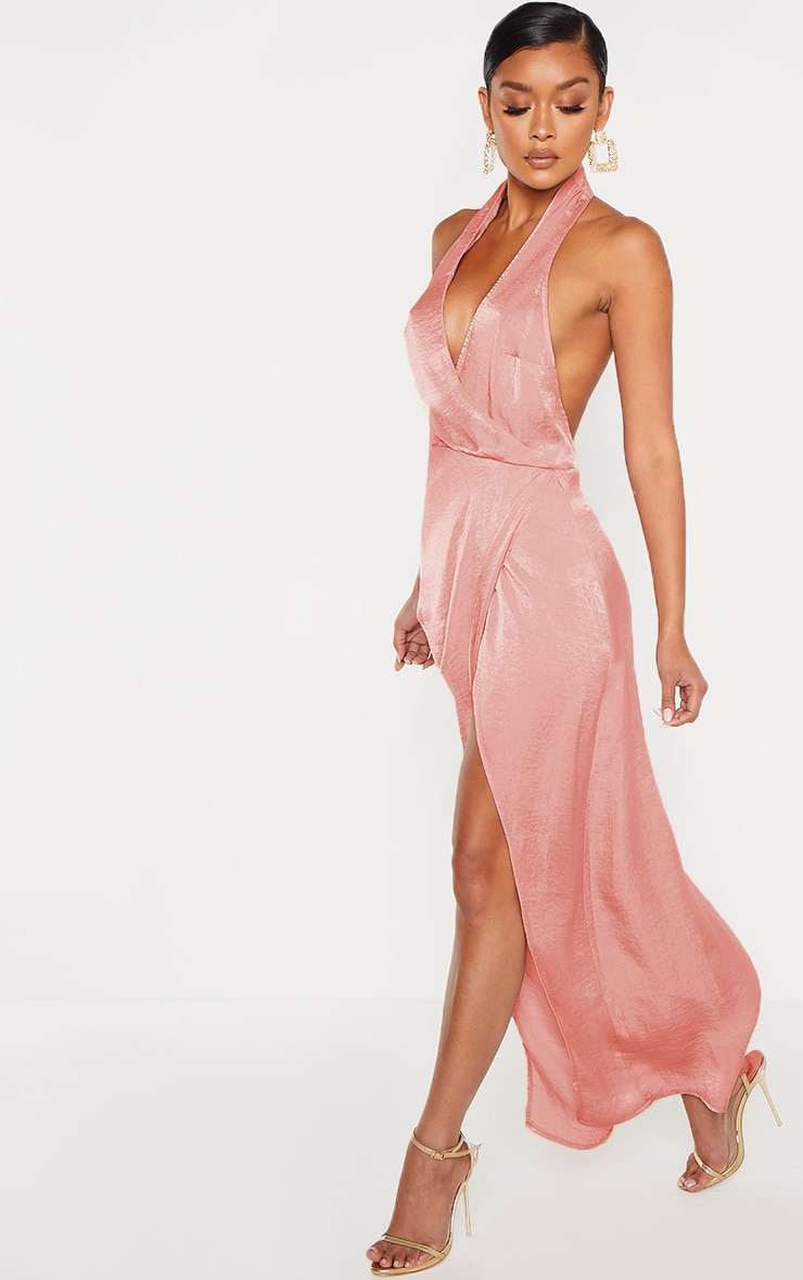 Robe longue satinée texturée rose à dos-nu 4