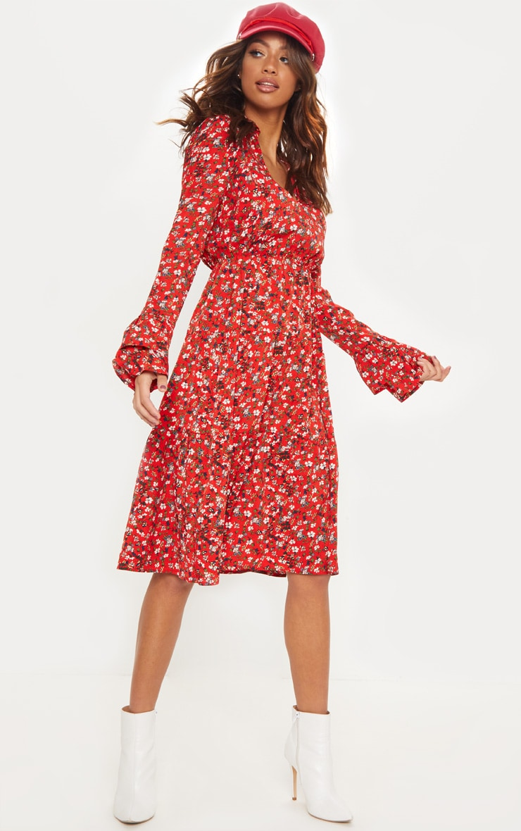 Robe rétro rouge florale à superpositions de volants 1