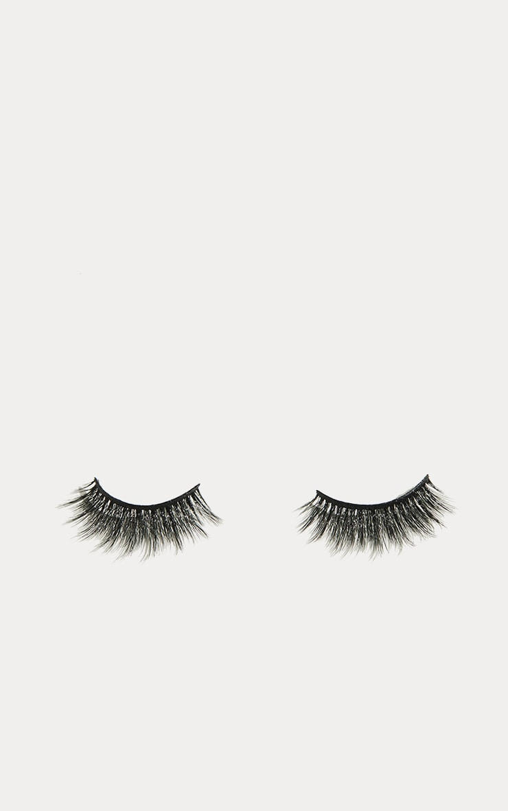 Land of Lashes Captivate cils 3