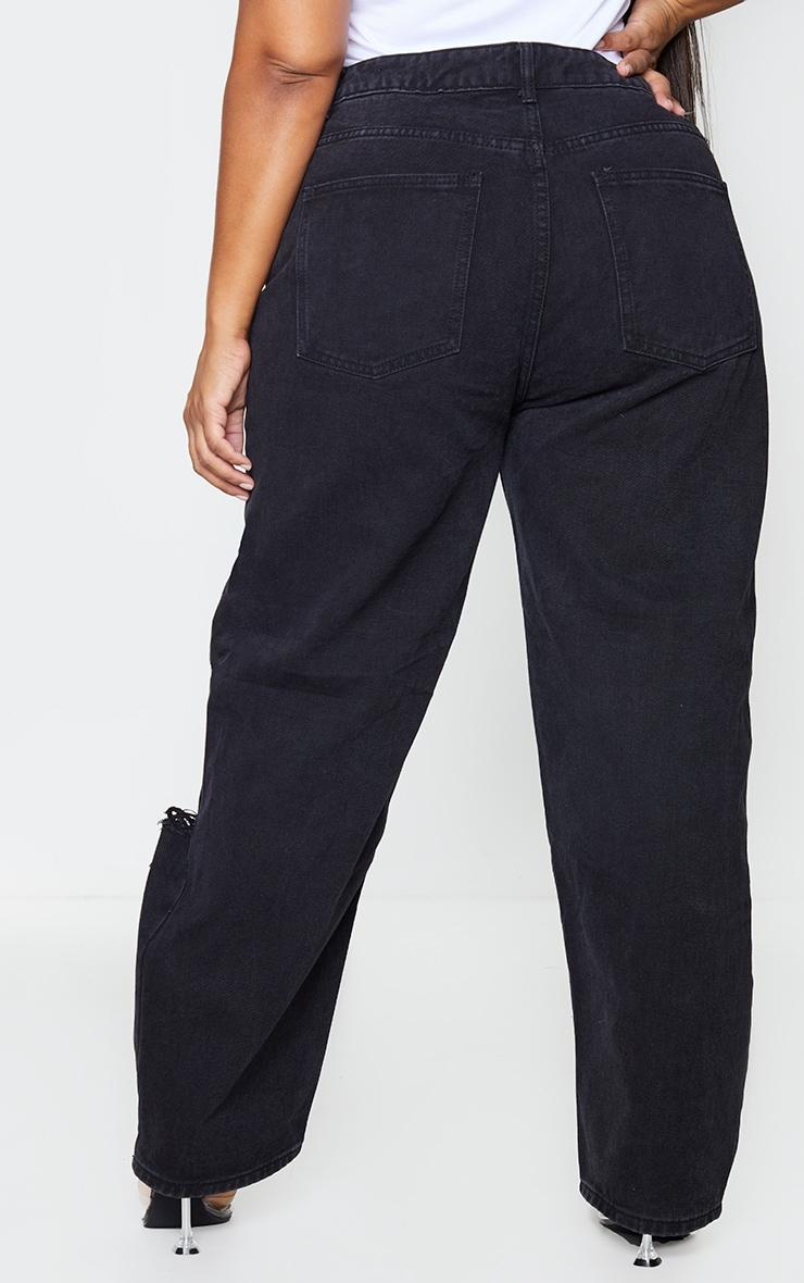 PRETTYLITTLETHING Plus Washed Black Knee Rip Boyfriend Jeans 3