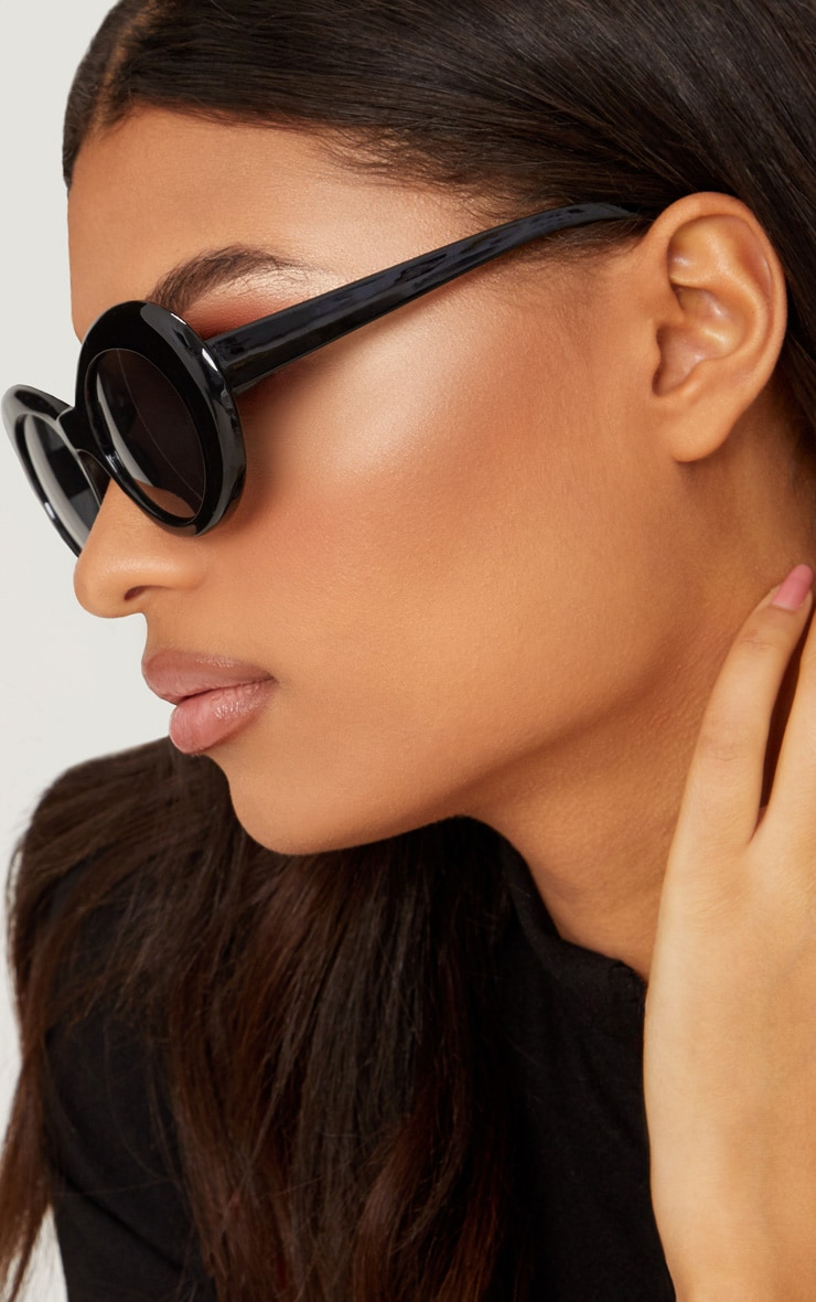Black Retro Sunglasses 2