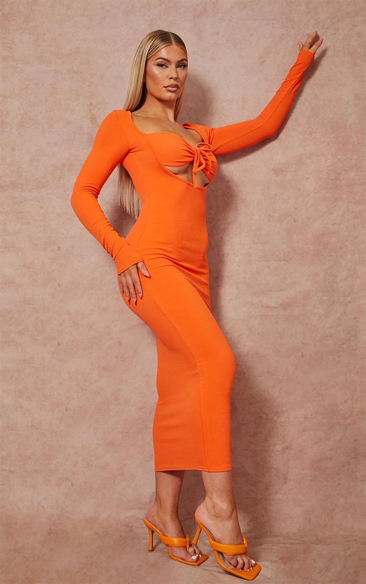 Robe longue orange côtélée à manches longues et buste noué 1
