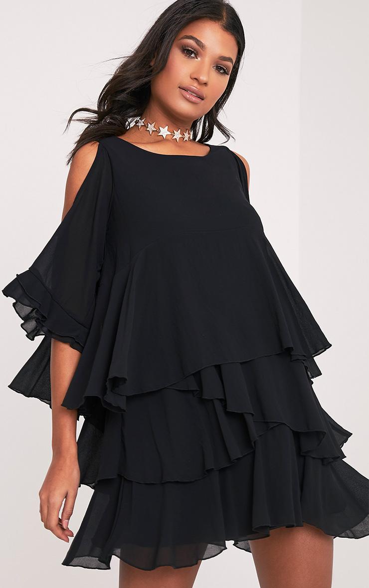 Tessa robe trapèze noire volantée à épaules découvertes 5