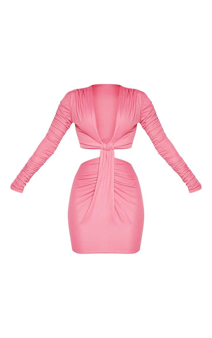 Robe moulante texturée rose pâle à manches froncées et découpes 3