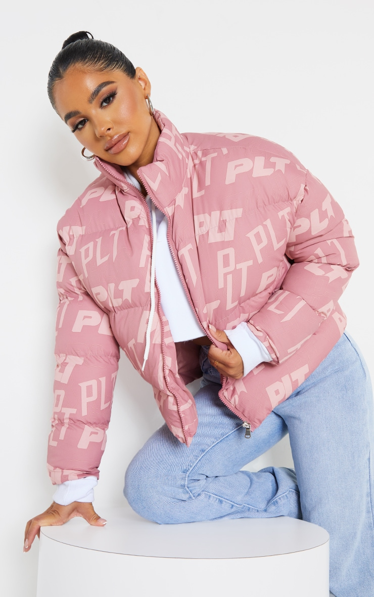 PRETTYLITTLETHING Petite Pink Printed Cropped Puffer 1