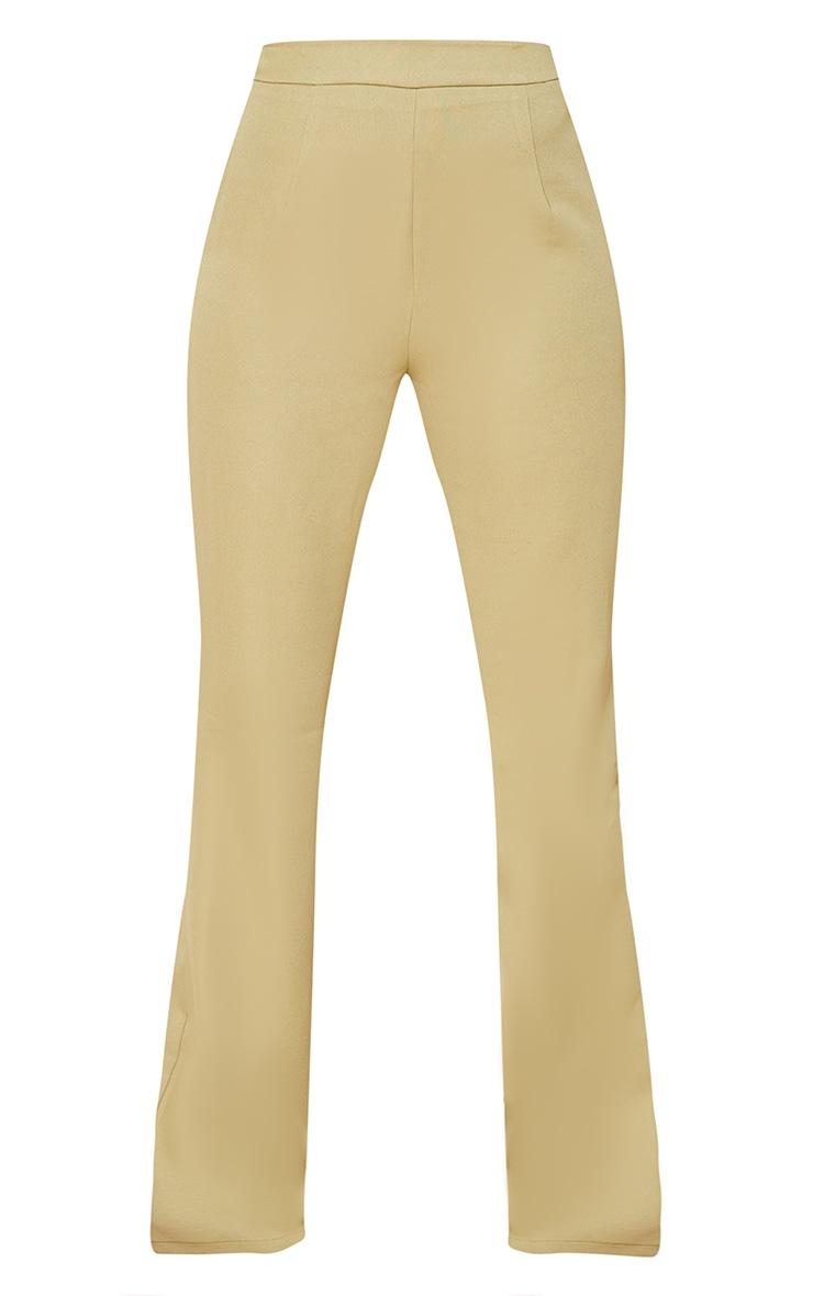 PRETTYLITTLETHING - Pantalon de tailleur évasé tissé kaki sauge à taille haute 5