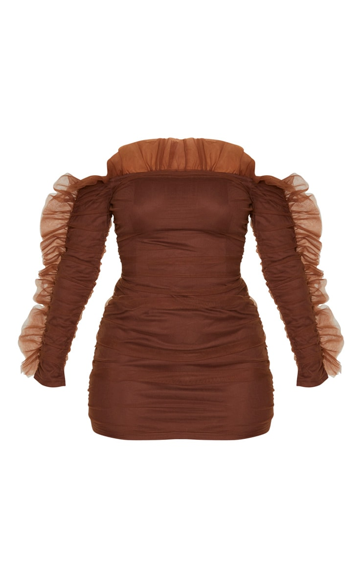 Robe moulante en mousseline de soie marron à épaules volantées 3