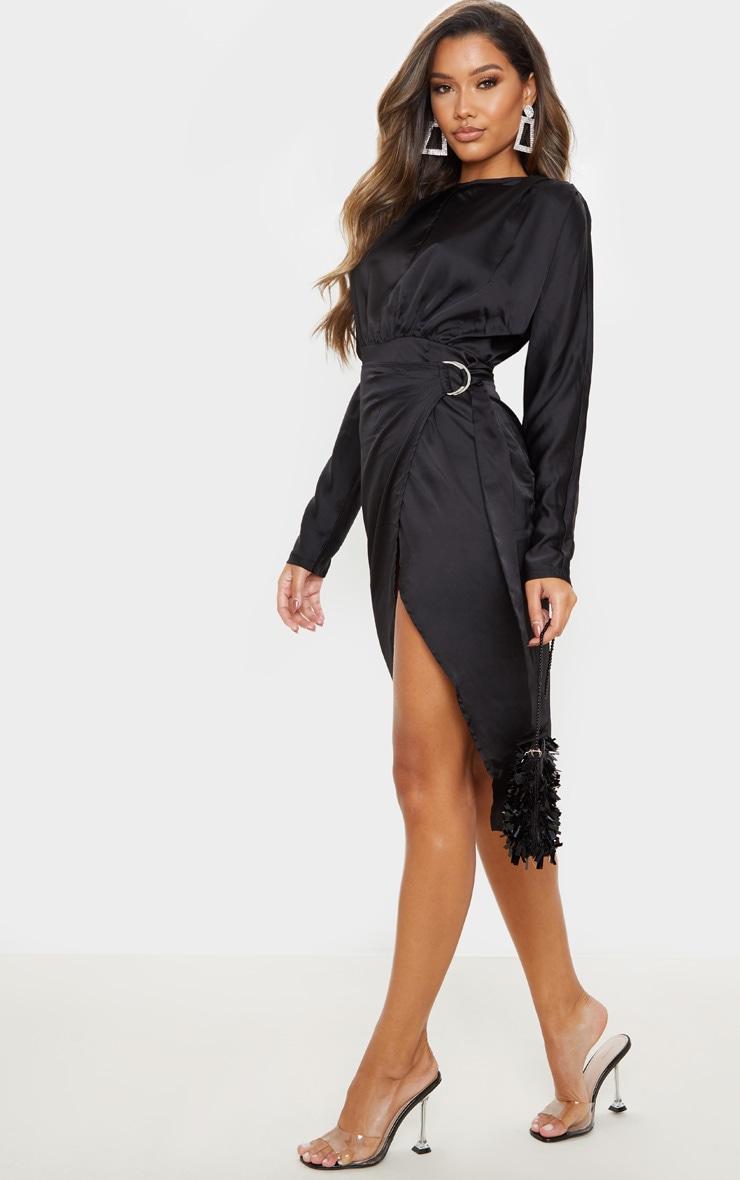 Robe mi-longue satinée noire à dos nu et jupe portefeuille 4