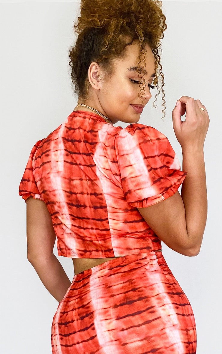 PLT Plus - Crop top à nouer devant rouge imprimé tie & dye  2