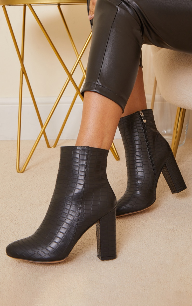Croc Wide Fit Behati Block Heeled Ankle Boot 1