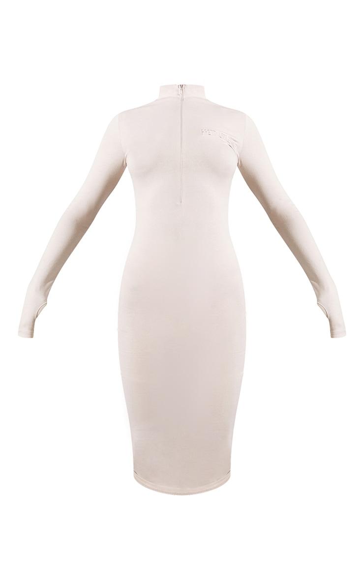 PRETTYLITTLETHING Renew - Robe mi-longue beige à slogan, zip et manches longues 4