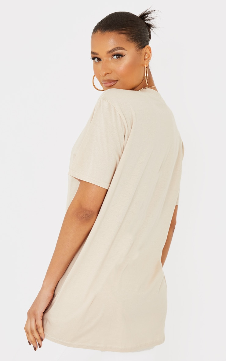 PRETTYLITTLETHING Stone Branded Archive Woven Badge T Shirt 2