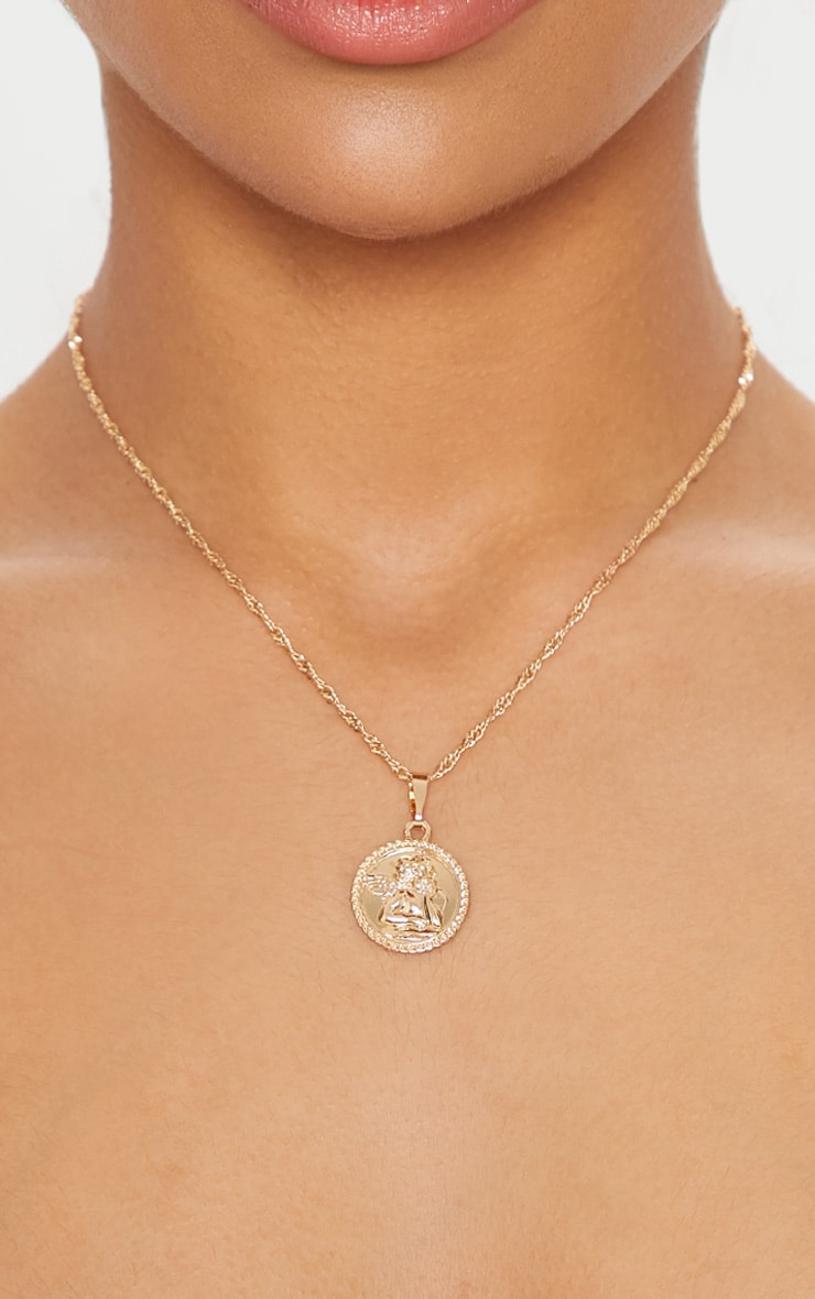 Gold Cherub Round Pendant Necklace 1