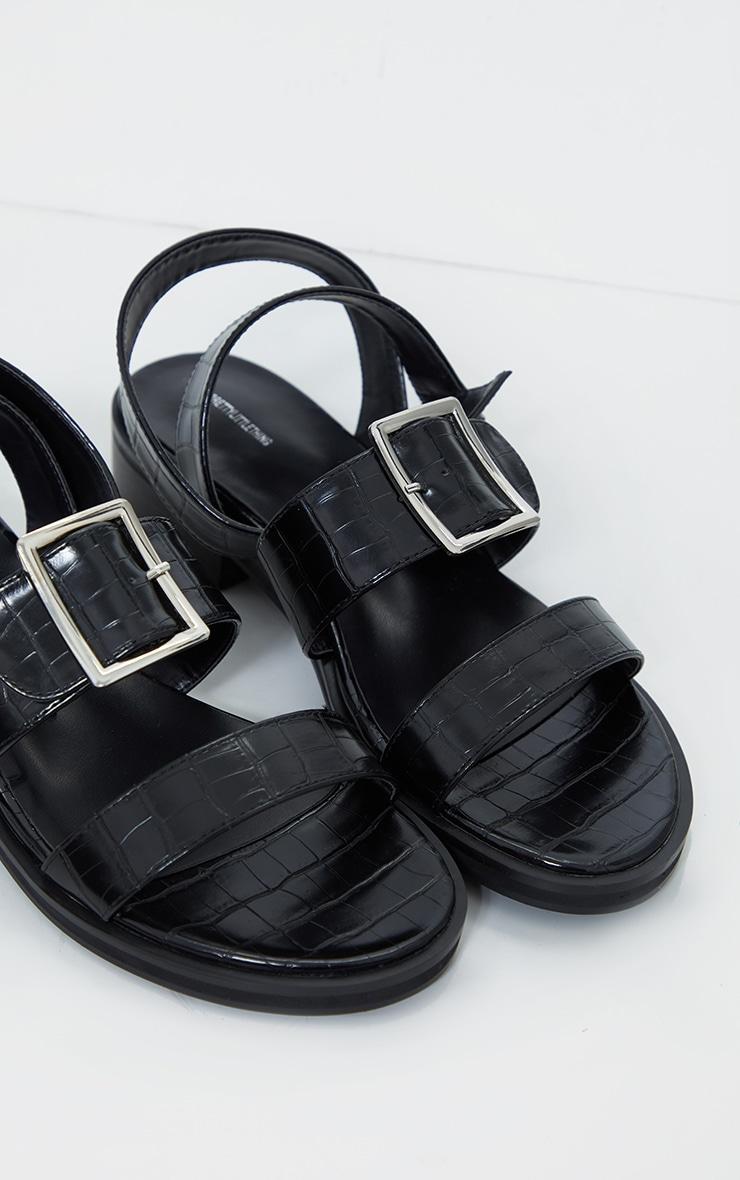 Sandales plates noires effet croco à boucles 2