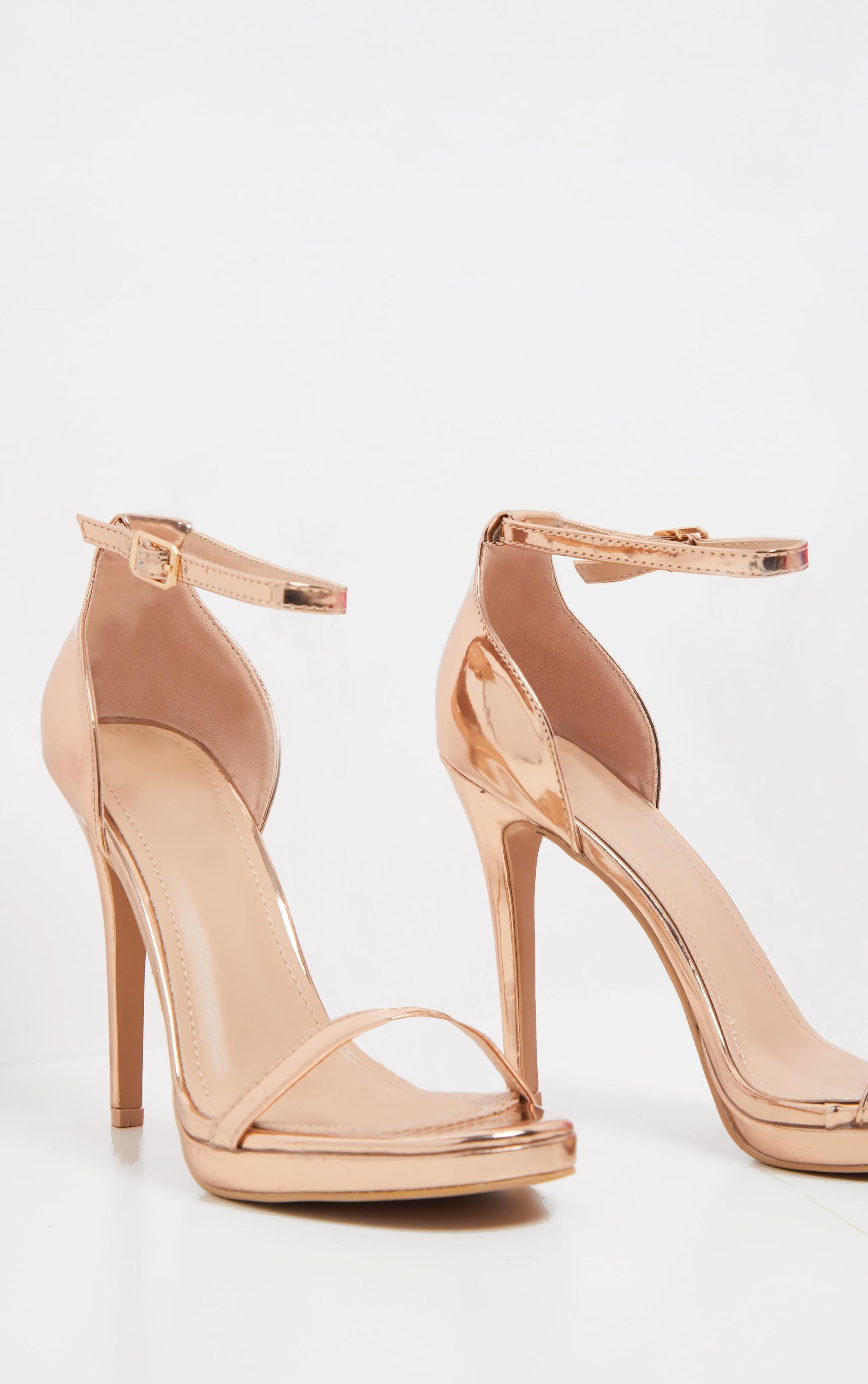Sandales à talons et bride unique rose gold  4