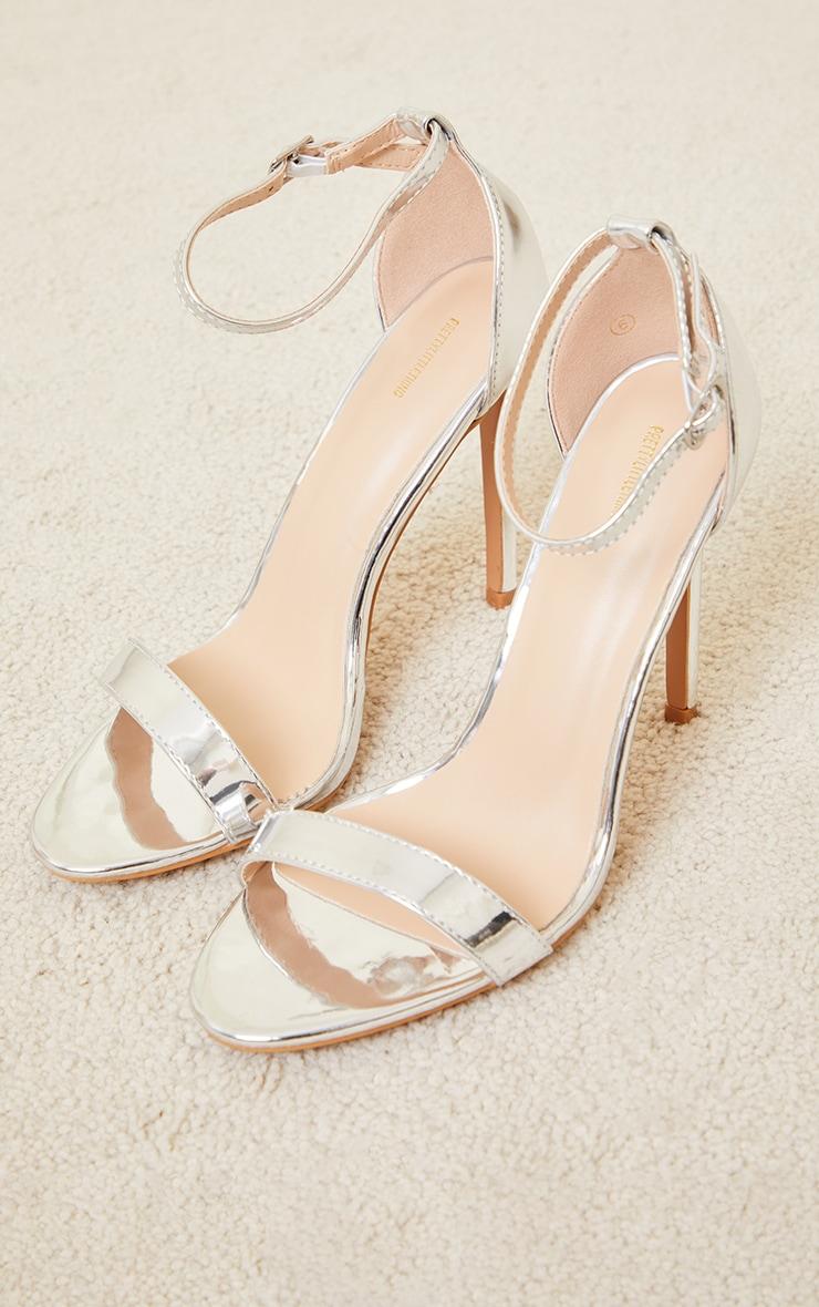 Sandales clover à talons & bride argentées pointure large 3