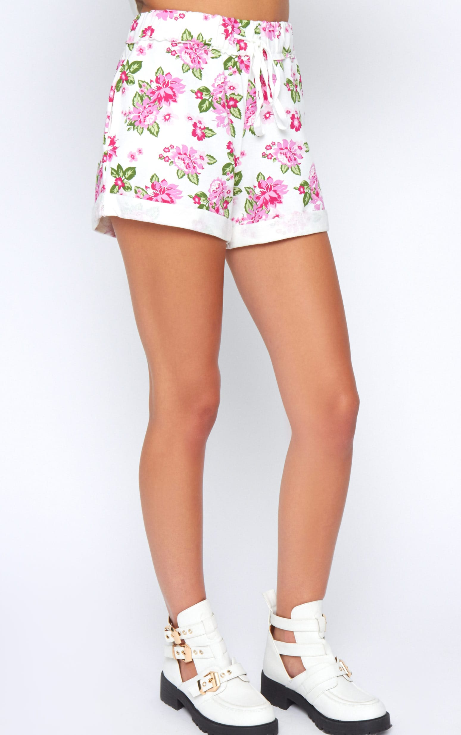Aria White Floral Short  3