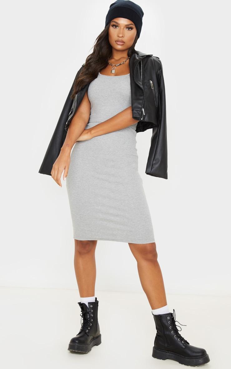 Robe mi-longue très côtelée grise à détail couture 1