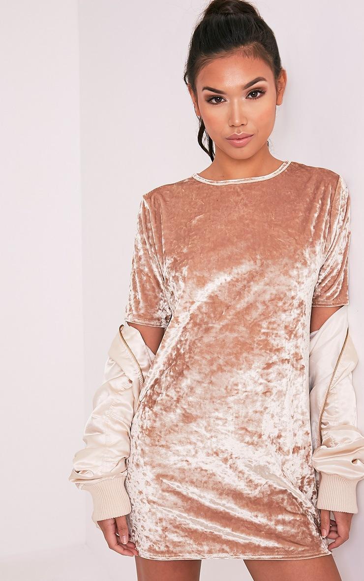 Maylia robe t-shirt champagne en velours écrasé 1