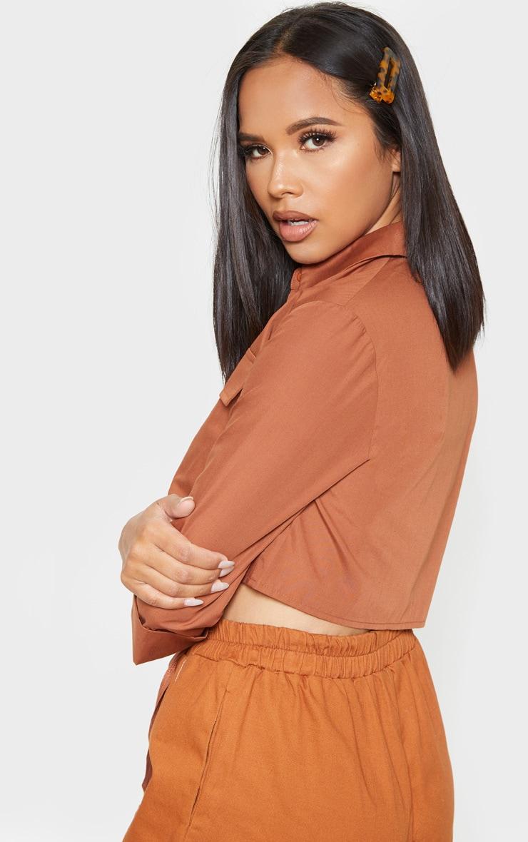 Chemise marron clair nouée style militaire à poches 2
