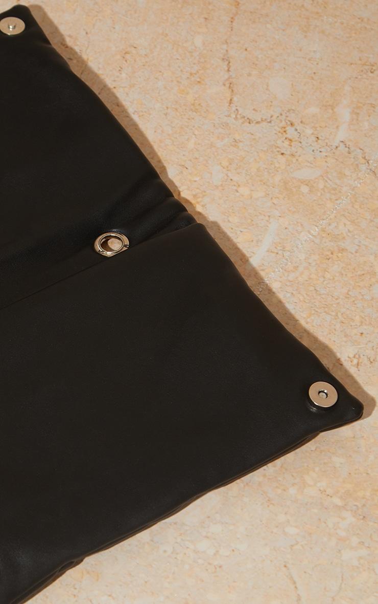 Pochette matelassée carrée noire 4