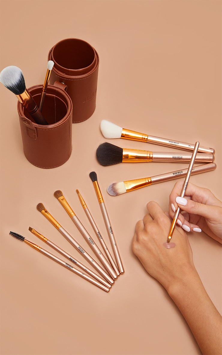Beau Belle Brushes Bronze Pot 3
