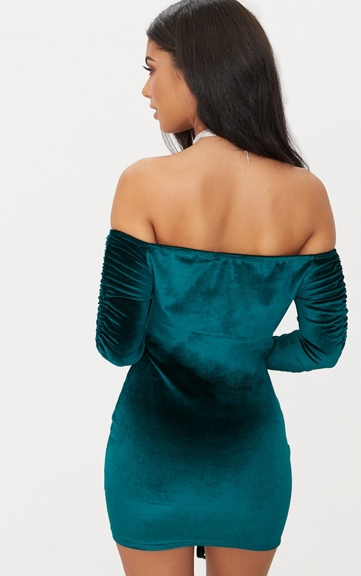 Curvy green ruched bodycon ruched arm dress front bandeau emerald women express yorkton