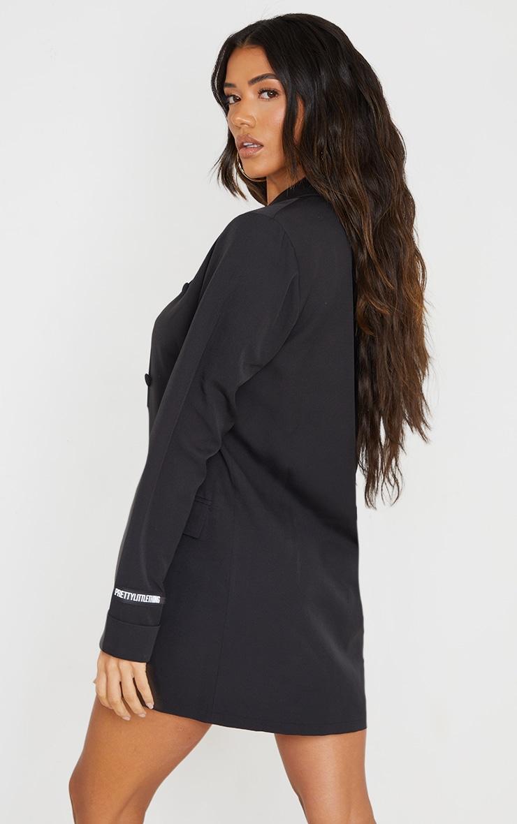 PRETTYLITTLETHING - Robe blazer noire à double boutonnière détail badge 2